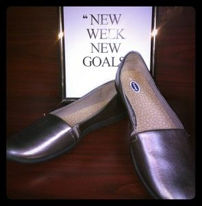 Dr. Scholl's pewter flats